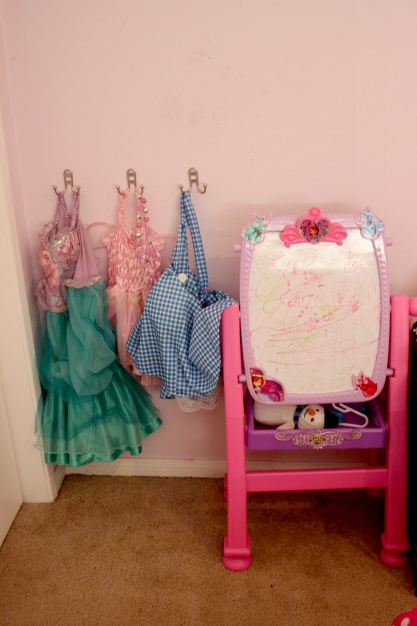 princess-costume-dress-up-area 6